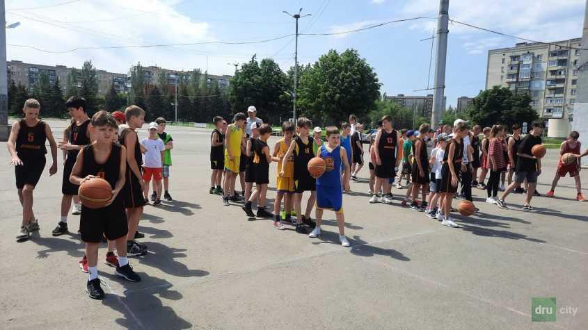 К Олимпийскому дню в Дружковке провели эстафету